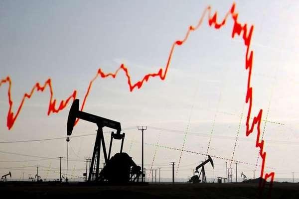Cena baryłki ropy spada – zarabiaj na tym