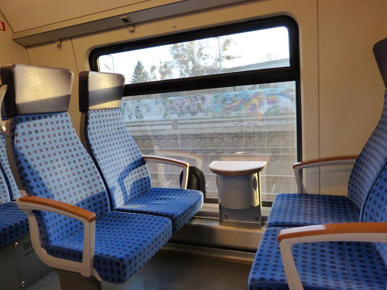 Bilety ZDiTM będą działać w pociągach jeszcze dłużej?