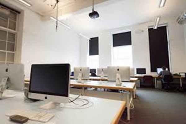 Idealne biura na wynajem – czyli jakie?