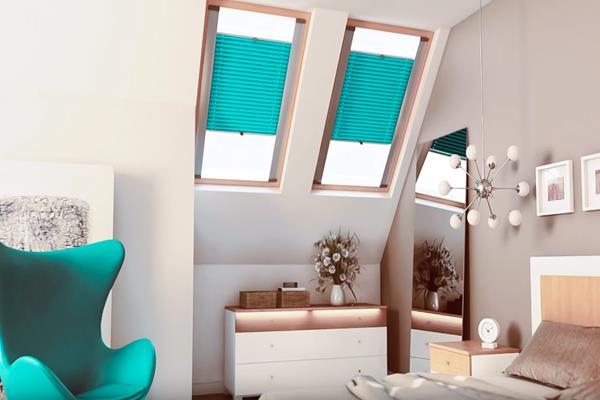 Plisy do okien dachowych – na czym polega ich fenomen