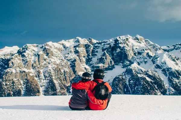 Czas odwiedzić alpejskie stoki – jak się do tego przygotować?