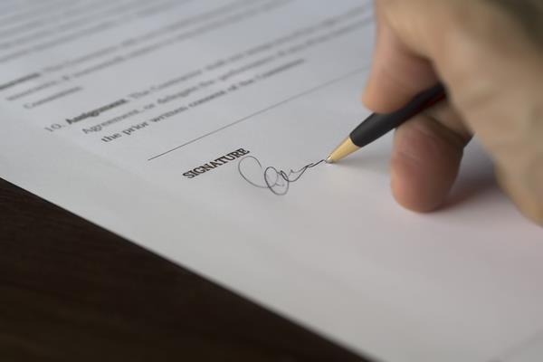 Kiedy najlepiej złożyć wypowiedzenie umowy o pracę?